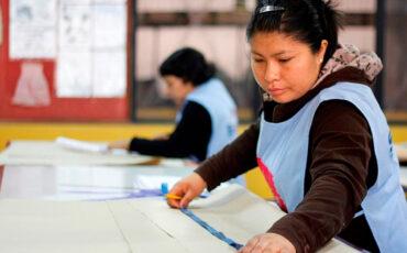 mubrecha salarial-mujeres trabajadoras-disparidad, mujeres ganan menos que los hombres